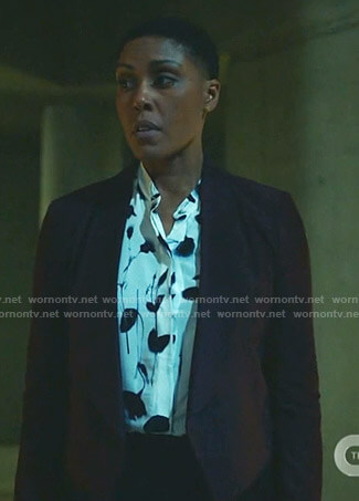 Lynn's white floral print blouse on Black Lightning