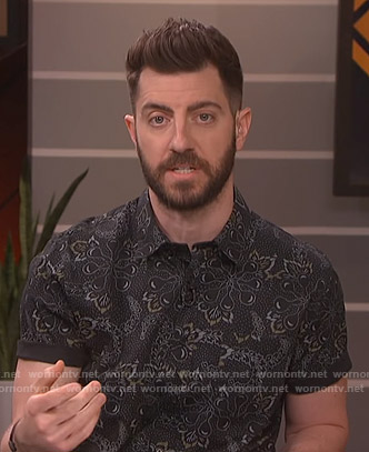 Will's black floral shirt on Live from E!