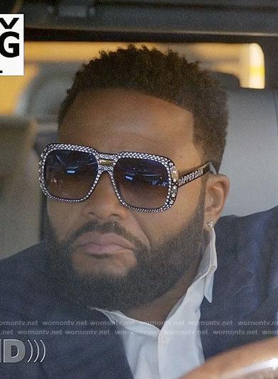 Andre's crystal embellished Dapper Dan sunglasses on Black-ish