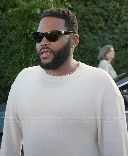 Andre's white distressed sweater and Versace sunglasses on Black-ish