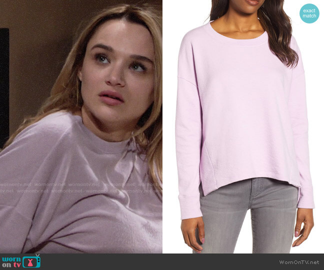 Caslon Side Slit Relaxed Sweatshirt worn by Summer Newman (Hunter King) on The Young & the Restless