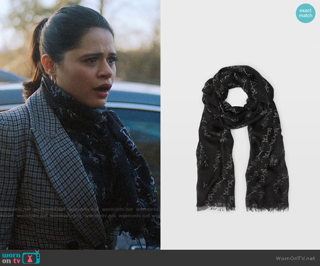 Club Monaco Senella Ditsy Scarf worn by Mel Vera (Melonie Diaz) on Charmed