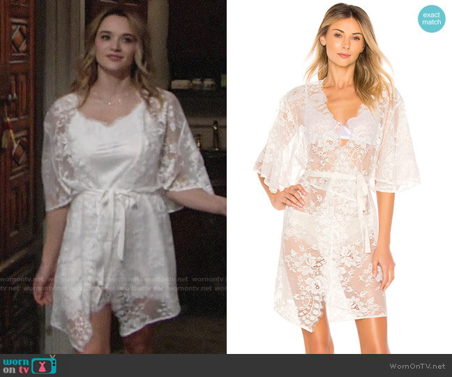Homebodii Kassiah Robe worn by Summer Newman (Hunter King) on The Young & the Restless