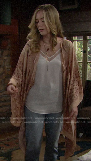 Hope's beige printed kimono on The Bold and the Beautiful