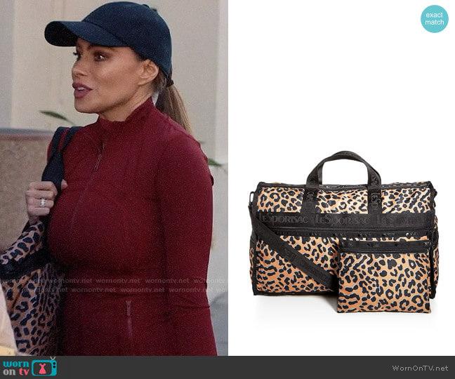 LeSportSac Candace Leopard Print Weekender Duffel Bag worn by  Gloria Pritchett (Sofia Vergara) on Modern Family