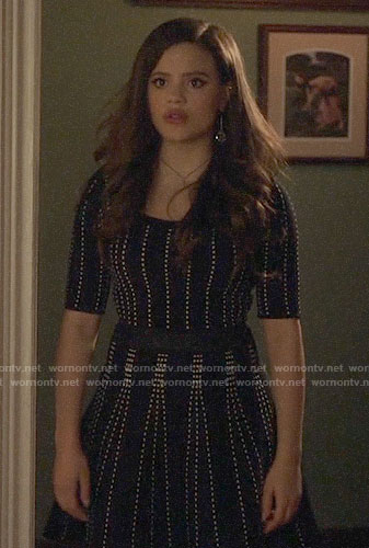 Maggie's black and white dotted stripe dress on Charmed