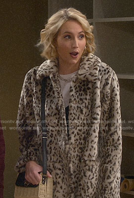 Mandy's leopard fur jacket on Last Man Standing