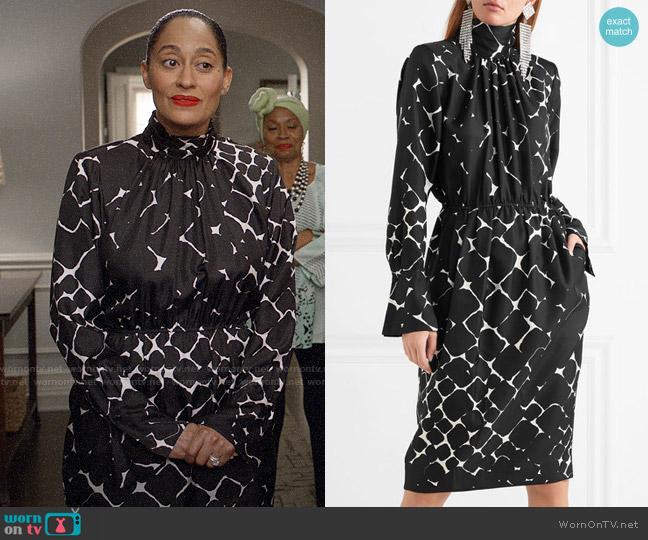 Marc Jacobs Printed Silk Turtleneck Dress worn by Rainbow Johnson (Tracee Ellis Ross) on Blackish