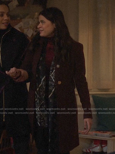 Mel's burgundy coat on Charmed