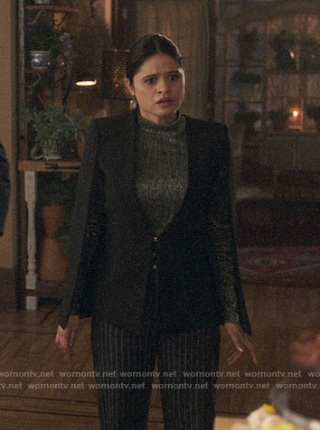 Mel's black cape jacket on Charmed
