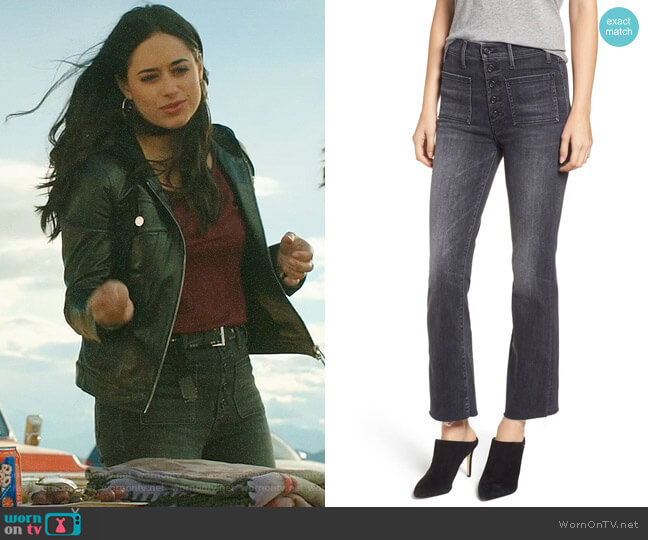 Mother Hustler Patch Pocket High Waist Ankle Jeans worn by Liz Ortecho (Jeanine Mason) on Roswell New Mexico