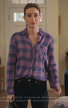 Angie's plaid shirt on Single Parents