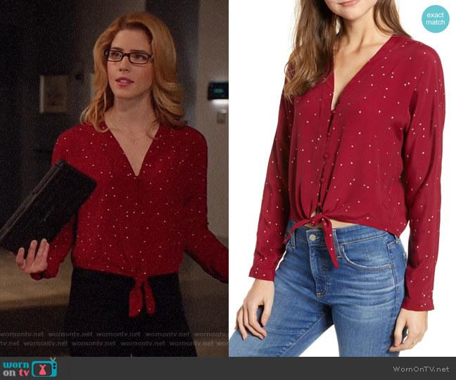 Rails Sloane Top in Red worn by Felicity Smoak (Emily Bett Rickards) on Arrow