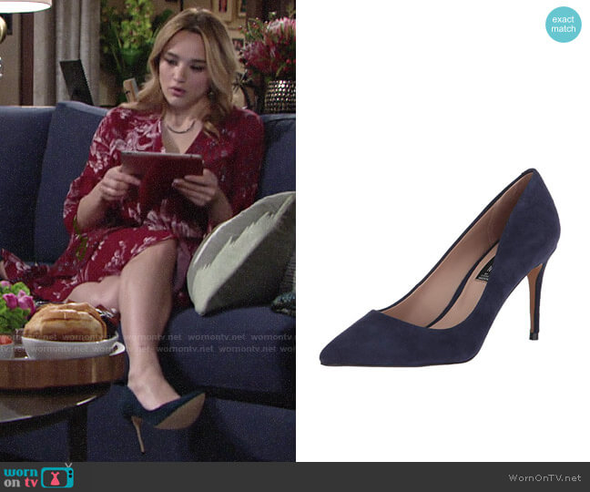 Steve Madden Local Pump worn by Summer Newman (Hunter King) on The Young & the Restless
