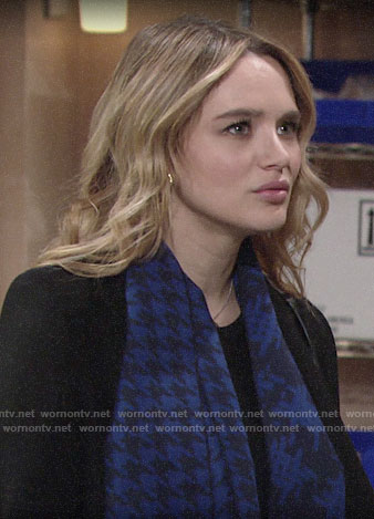 Summer's blue houndstooth scarf on The Young and the Restless