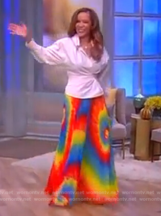 Sunny's tie die skirt on The View