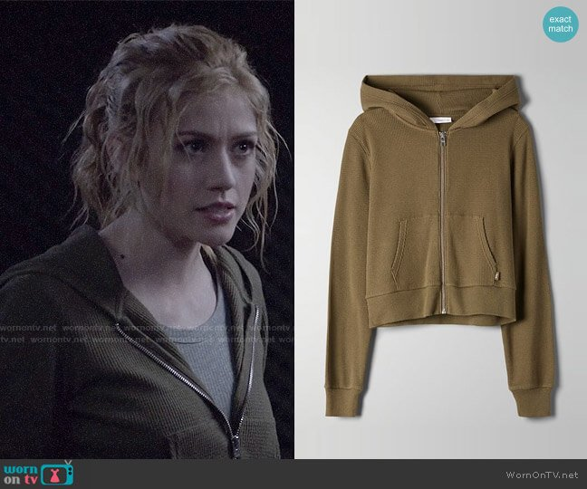 Aritzia Tna Nakamura Thermal worn by Mia Smoak (Katherine McNamara) on Arrow