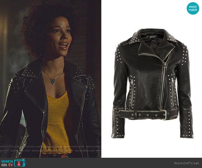 Studded Biker Jacket by Topshop worn by Maia Roberts (Alisha Wainwright ) on Shadowhunters