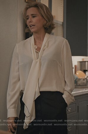 Elizabeth's white pussy bow blouse on Madam Secretary