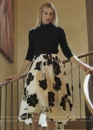 Clair's black and white floral skirt on PLL The Perfectionists