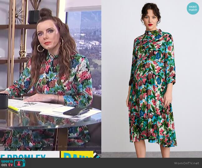 Floral Print Dress by Zara worn by Melanie Bromley  on E! News