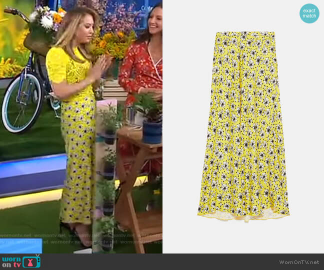 Long Floral Print Skirt by Zara worn by Ginger Zee  on Good Morning America