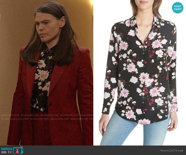 Equipment Essential Silk Shirt worn by Marjorie Palmiotti (Clea DuVall) on Veep