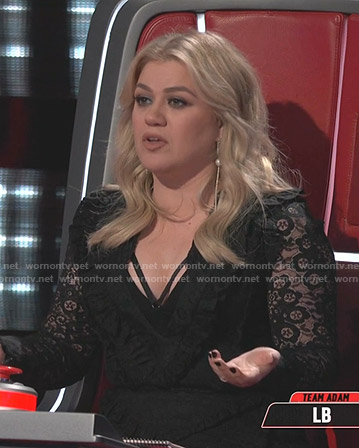 Kelly Clarkson's black floral lace dress on The Voice