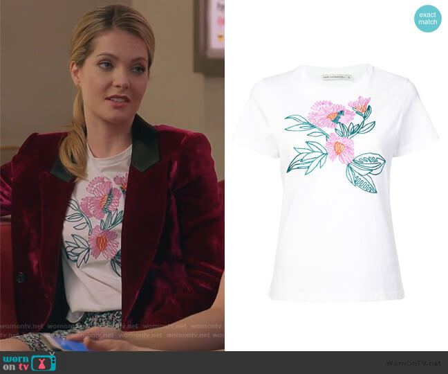 Iven T-shirt by Mary Katrantzou worn by Sutton (Meghann Fahy) on The Bold Type