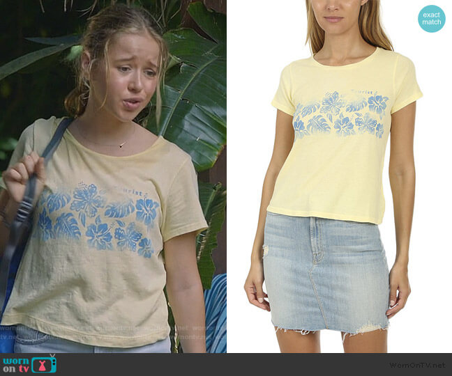 Itty Bitty Goodie Goodie Tee by Mother worn by Samantha Hughes (Holly Barrett) on Life in Pieces