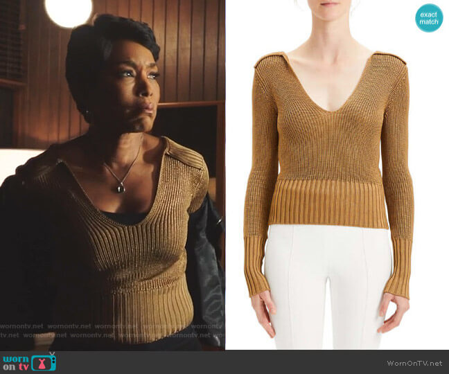 Back-Collar Long-Sleeve Roving Cropped Sweater by Theory worn by Athena Grant (Angela Bassett) on 9-1-1