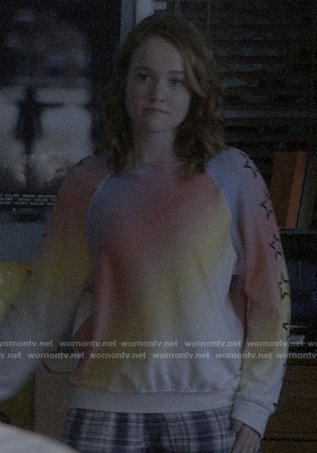 Abby's rainbow star sleeve sweatshirt on Santa Clarita Diet