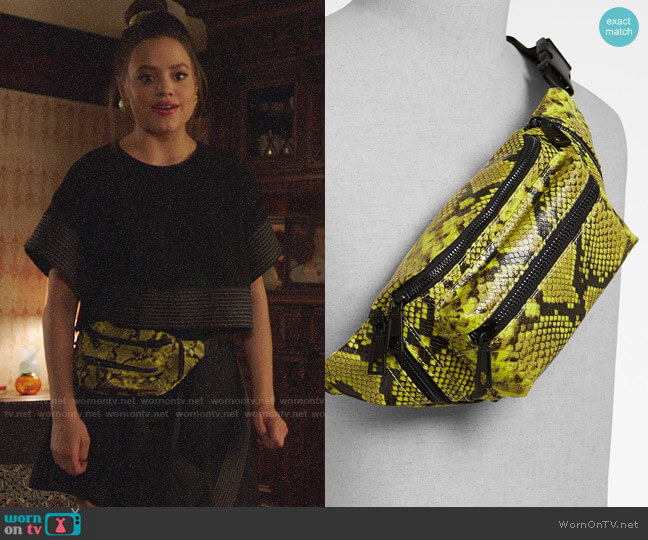 Aldo Pietrasanta Bag worn by Maggie Vera (Sarah Jeffery) on Charmed