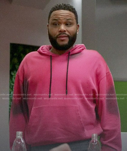 Andre's pink tie dye hoodie on Black-ish
