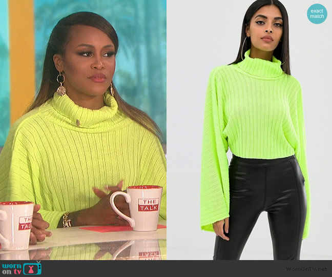 Boohoo roll neck cropped sweater by ASOS worn by Eve (Eve) on The Talk
