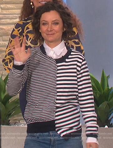 Sara's asymmetric striped sweater on The Talk