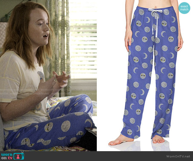 Hue Printed Sleep Pants in Baja Blue/Night Night Moon worn by Abby Hammond (Liv Hewson) on Santa Clarita Diet