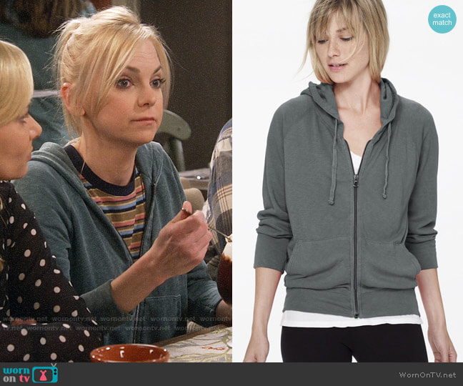 James Perse Vintage Fleece Hoodie worn by Christy Plunkett (Anna Faris) on Mom
