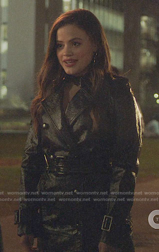 Mel's star lace top and leather moto jacket on Charmed