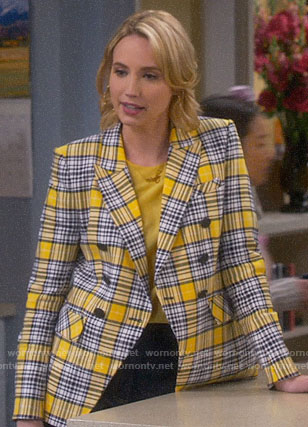 Mandy's yellow plaid blazer on Last Man Standing
