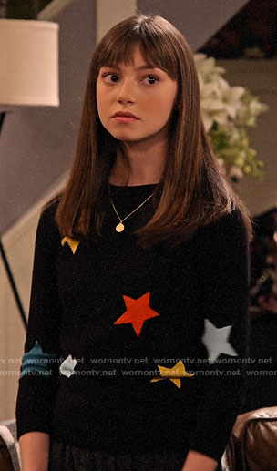 Molly's star print sweater on No Good Nick