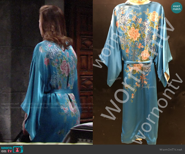 Vintage Floral Robe worn by Phyllis Newman (Gina Tognoni) on The Young & the Restless