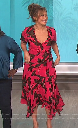 Carrie's pink floral wrap dress on The Talk