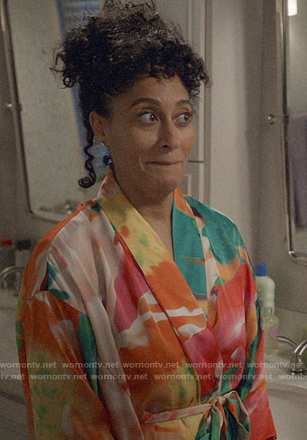 Bo's floral robe on Black-ish