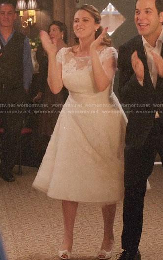 Wornontv Rebecca S Wedding Dress On Crazy Ex Girlfriend Rachel
