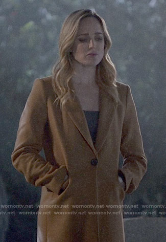Sara's camel coat on Arrow