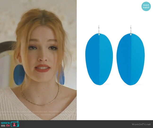 Pedal Earrings by Simon Miller worn by Kirby Anders (Maddison Brown) on Dynasty