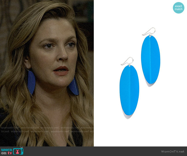 Simon Miller Pedal Earrings worn by Sheila Hammond (Drew Barrymore) on Santa Clarita Diet