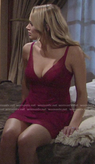Summer's pink chemise on The Young and the Restless