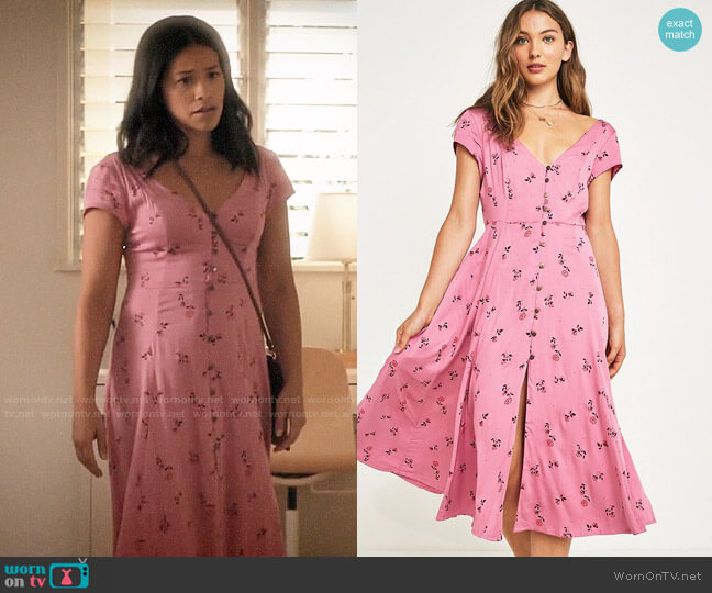 Malena Dress by Urban Outfitters worn by Jane Villanueva (Gina Rodriguez) on Jane the Virgin